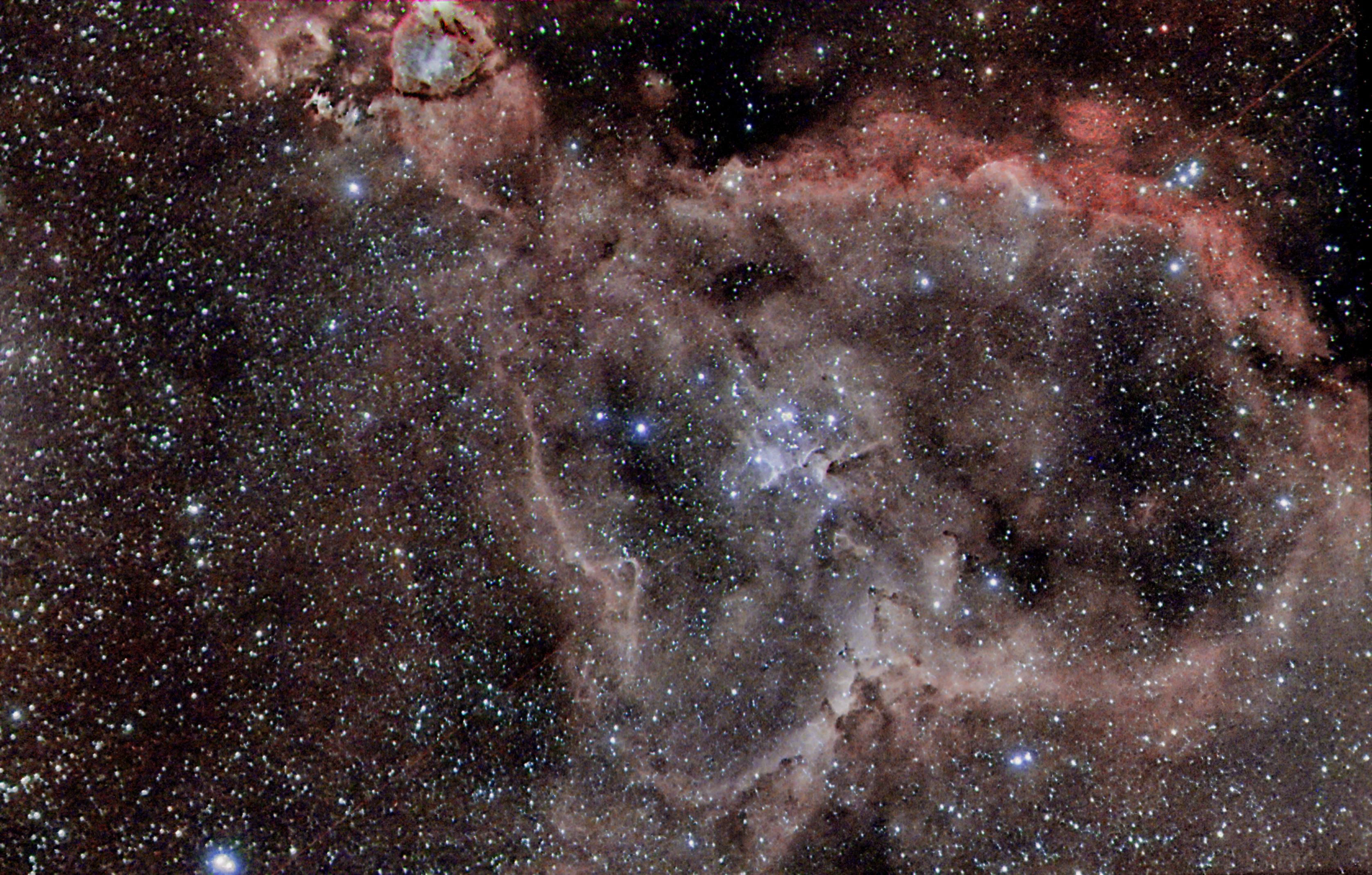 <p>Nebulosa ad emissione tra il perseo e cassiopea </p>