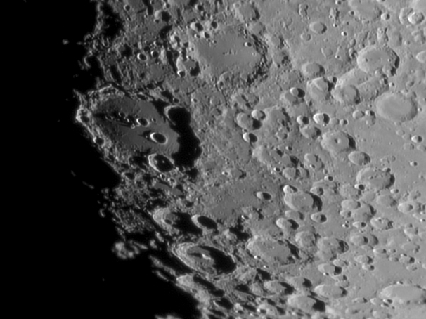 https://astrofilicernusco.org/storage/2020/12/2020-06-30-Luna-1800-IR3_AS_f1000_g4_ap478G-RL1020_1050ph.jpg